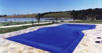 o cloro pode afetar o plástico da piscina
