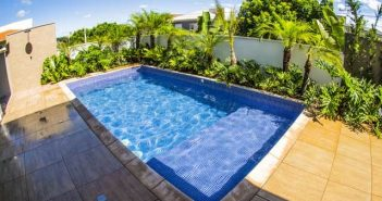 evitar que a água da sua piscina fique suja