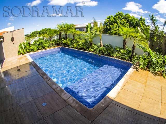 Formas de piscinas perfect diferentes formas de piscinas for Tirarse a la piscina
