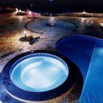 Iluminação da piscina: veja por que investir nisso é um bom negócio