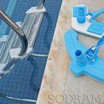 Lista de acessórios essenciais para cuidar da piscina
