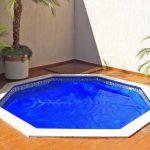 4 benefícios de ter uma capa térmica para piscina
