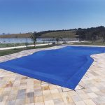 Conheça os benefícios da capa para piscina