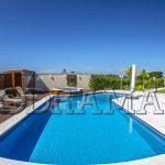 4 acessórios indispensáveis para  piscinas