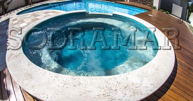 Como escolher o tamanho da bomba de hidromassagem para minha piscina?