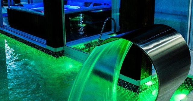 Como mudar a iluminação da sua piscina sem obras?