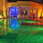Arquiteto projetista: 4 tipos de iluminação para modernizar a piscina do seu cliente