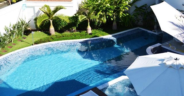 Como manter sua piscina limpa com economia utilizando o gerador de cloro e o ultravioleta