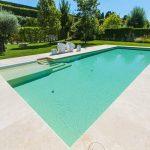 Projeto de piscina: quais os benefícios de revestir a piscina com uma manta armada?