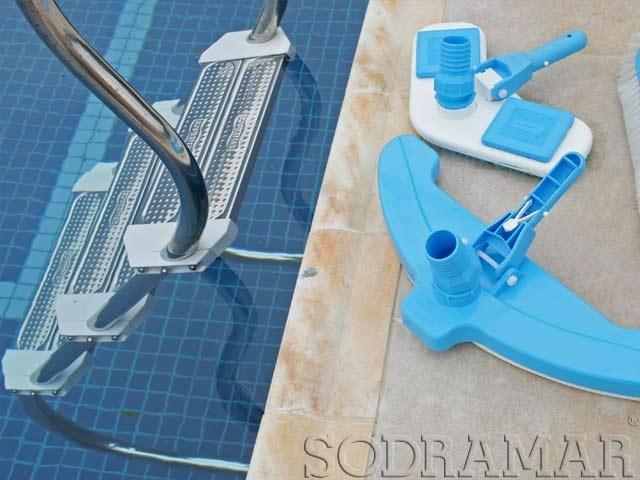 como limpar a piscina