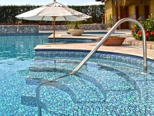piscina na área externa