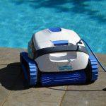 Conheça o robô aspirador que vai facilitar a limpeza da sua piscina