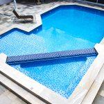4 dicas para construir uma piscina para curtir com os amigos