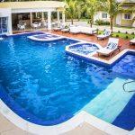 """Não """"afogue"""" o seu orçamento! 3 dicas para construir sua piscina"""