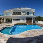 Vale a pena construir uma piscina em casa?