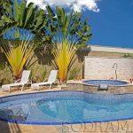 Quais acessórios usar para modernizar uma piscina de vinil?