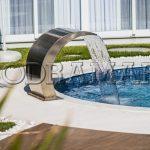 É possível instalar cascatas e duchas sem obras na piscina?