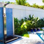 Por que uma ducha para piscina é indispensável na sua área externa