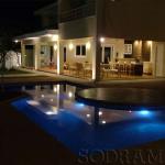 Quais os benefícios de ter uma piscina iluminada?