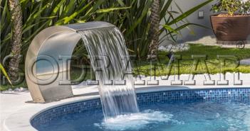 piscina com cascata