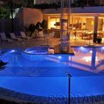 4 opções para criar uma piscina de alta tecnologia