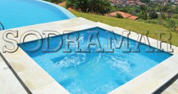 piscina quadrada