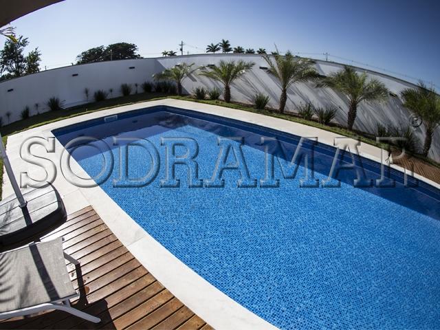 piscina vista de cima