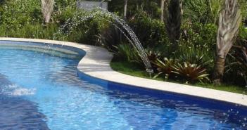 Imagem de uma piscina