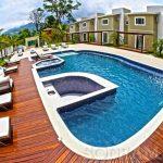 Limpeza de piscina: como ela é feita nos grandes hotéis?