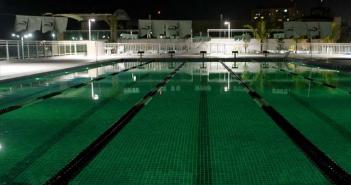 piscina de um clube