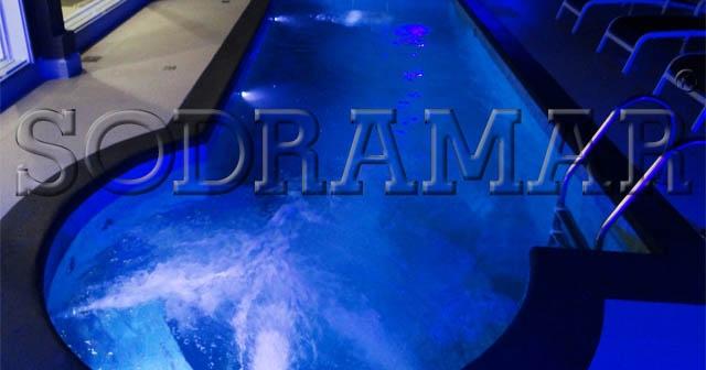 Iluminação LED para piscina: 5 modelos da Sodramar para deixar sua piscina linda